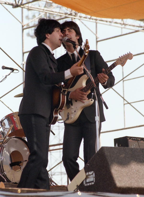Paul & George of Beatlemania!