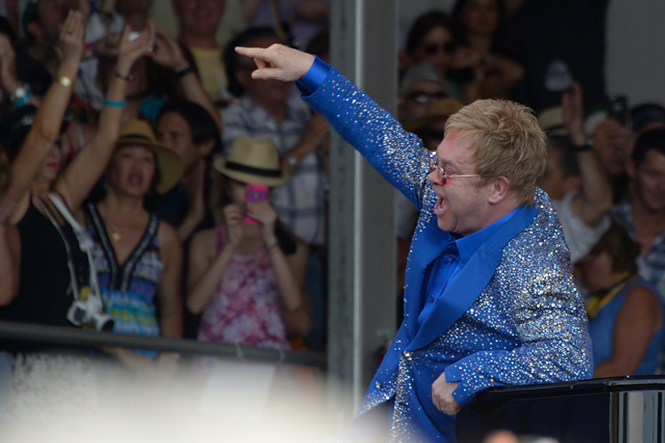 Elton John does Bennie and the Jets